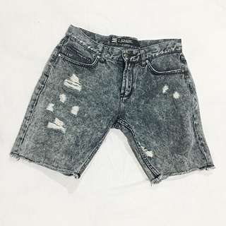 Men's Distressed Denim Short