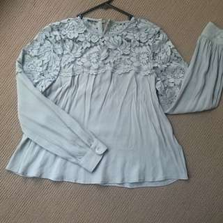 H&M Size US4 Long Sleeve Swing Top