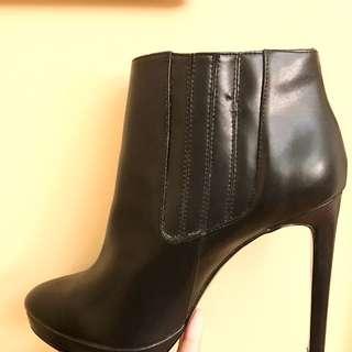 NEW MANGO boots