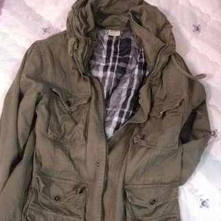 冬季軍綠色厚外套 L號
