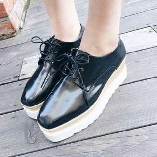 漆皮鬆高厚底鞋