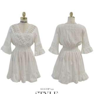 蕾絲雕花七分袖小喇叭袖白色洋裝
