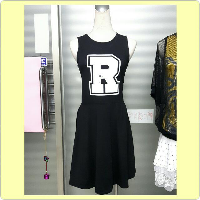 運動風黑色洋裝