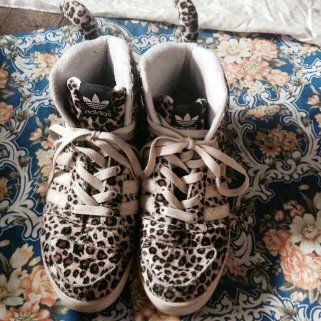 Adidas (Jeremy Scout)