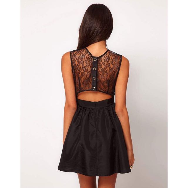 ELISE RYAN size 6 Lace Dress With Button Back
