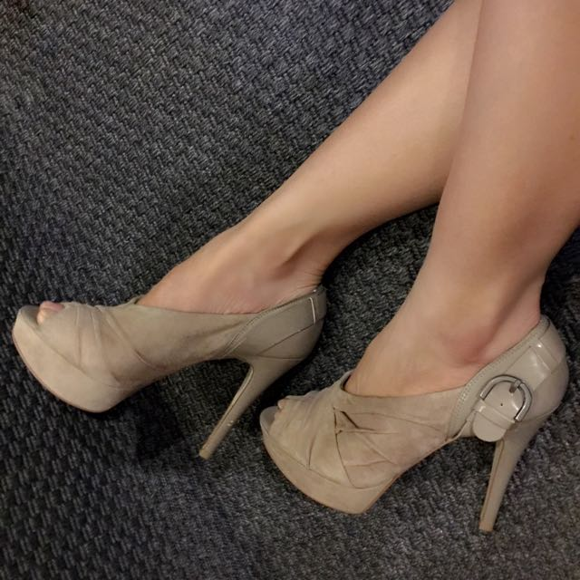 GUESS Nude Suede Leather & Patent Leather Platform Heels