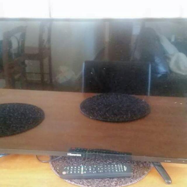 "Hisense Smart TV 32""inch"