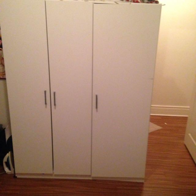 Wardrobe (6feet Tall By 4.5 Feet Wide)