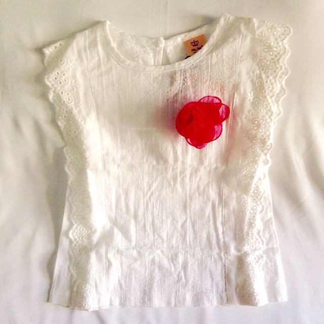 White Top With Brooch
