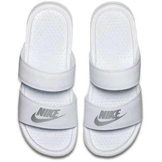 Nike Benassi Duo Ultra Slide 女 白 銀 兩條 海棉 運動 拖鞋