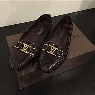 Vernis Louis Vuitton Loafers