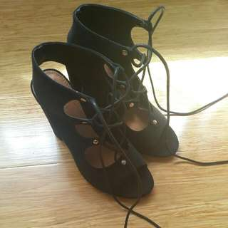 Spurr Lace Up Block Heels Black Size 5