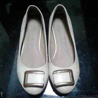 White Flat Shoes