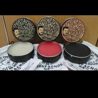 Pomade OIL BASED  ada 3 Variant Rasa - Medium ( Vanilla)  - Heavy ( Kitty On Top)  - Strong ( Black romance)    Salam KLIMIS MOSTACHOS 💃