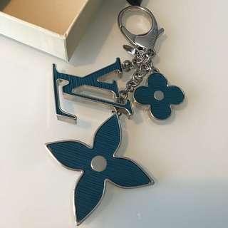 LOUIS VUITTON Fleur d'Epi Bag Charm (bleu)