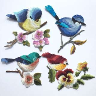 🐧🌷 Bird Iron On Patches