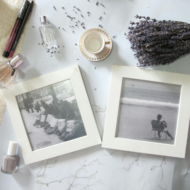 2 Frames, Photos Included