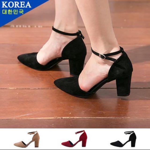 黑色綁帶粗跟高跟鞋