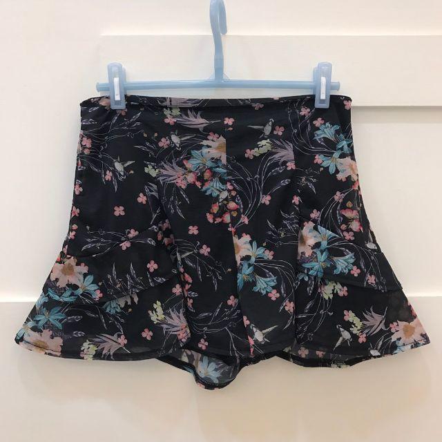 新二手-雪紡質花瓣褲
