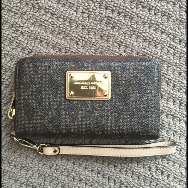 Authentic Michael Kors Medium Sized Wallet