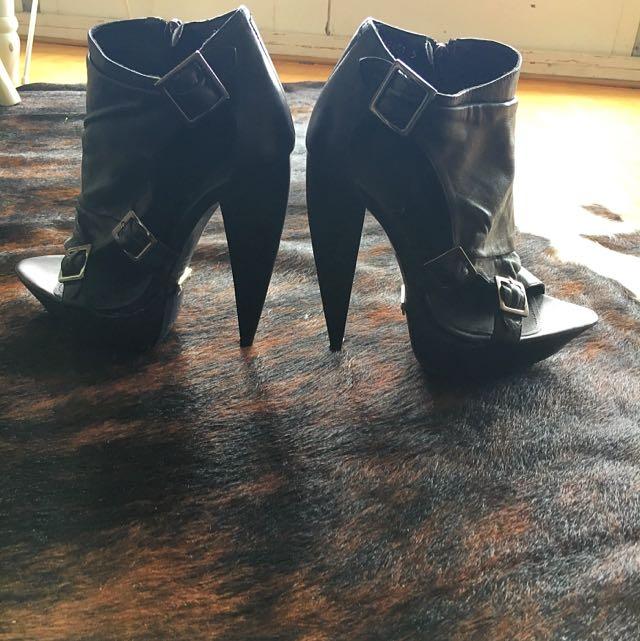 Black Leather Heels Size 5