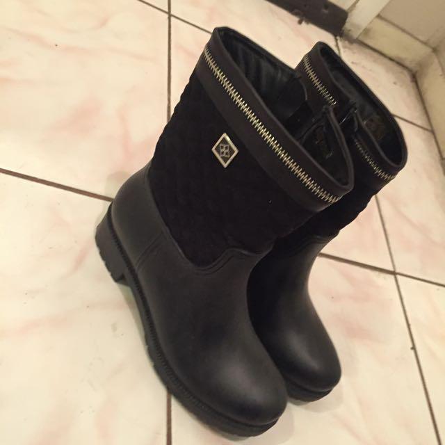 Boot Size 6 DAV