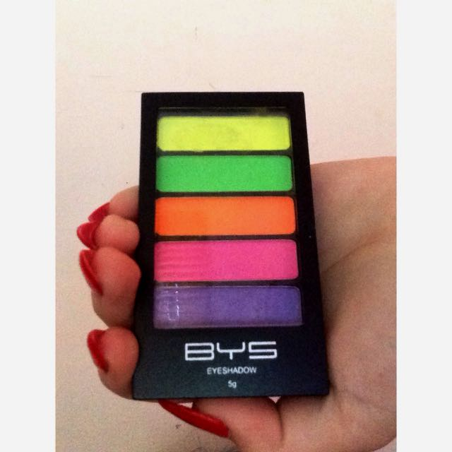 B.Y.S Eyeshadow