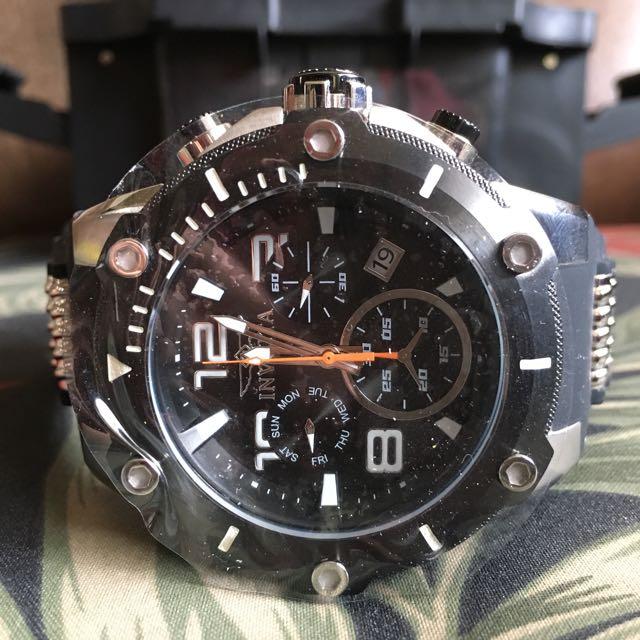 Invicta Speedway Men's 19526 Black Stainless Steel Chronograph Watch