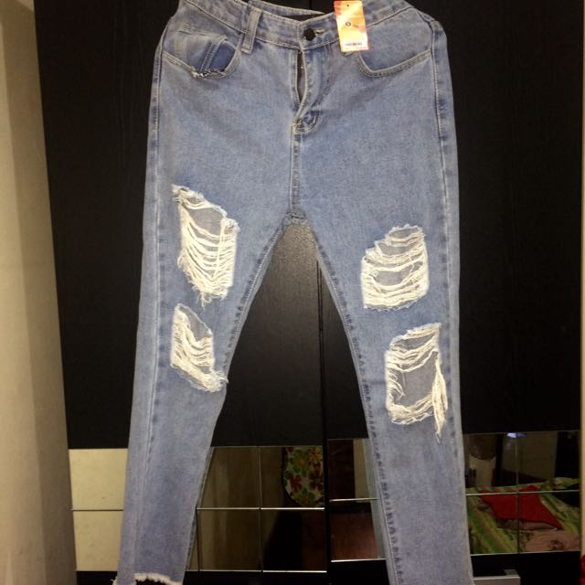 Magnolia Ripped Jeans