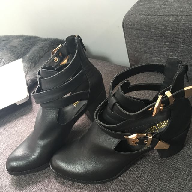 Marco Gianni Ankle Boots In Black With Gold Strap