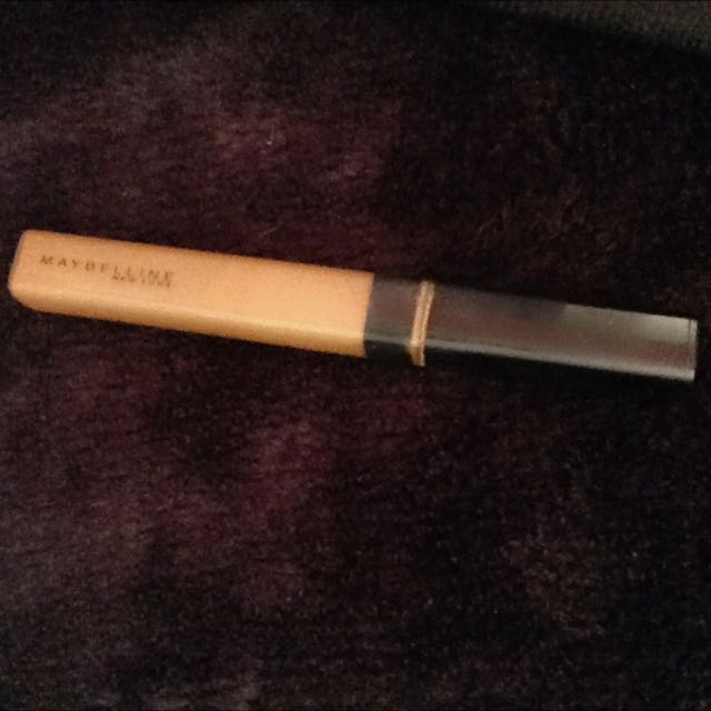 "Maybelline Concealer , Shade In ""Cafe"""