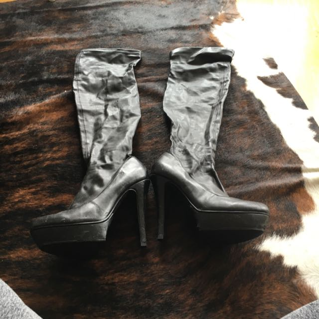 Over The Knee Boots Size 7.5