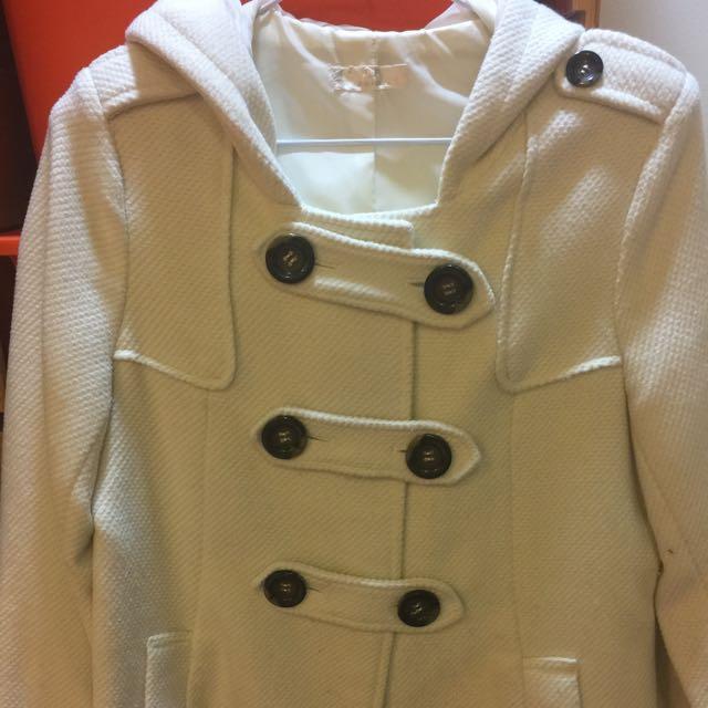 二手八成新日本品牌RF米白色連帽毛料外套,超低價500元出清