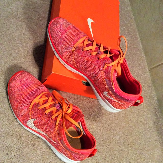 Size 7 Nike Womens Runners