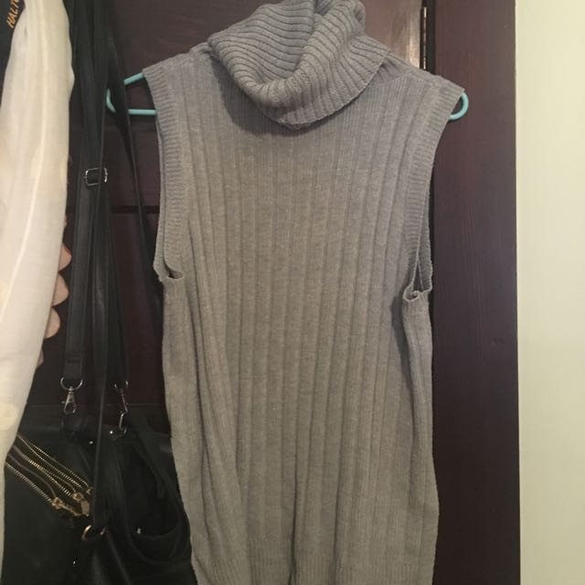 S/M Grey Turtleneck