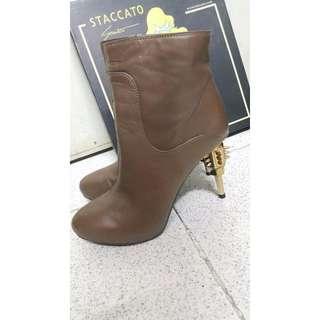 Staccato真皮高踭型格短Boot