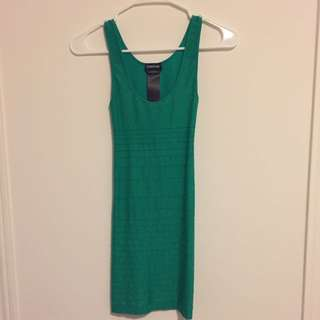 BEBE bodycon dress (emerald green)