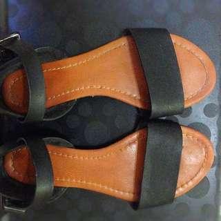 [RESERVED]Women's Black Sandals