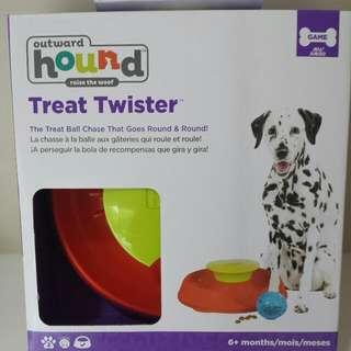 Outward Hound Treat Twister