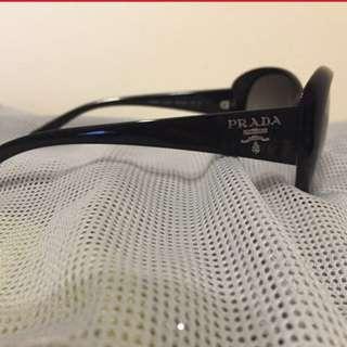 Prada太陽眼鏡