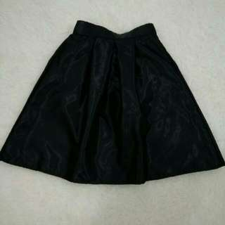 (New) Black Satin Skirt Rok