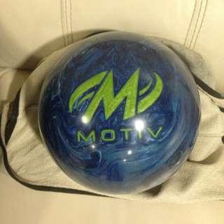 Motiv Apex Bowling Ball 12 lb 2 oz Gross Wt