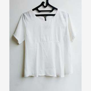 [NEW] White Large Tops