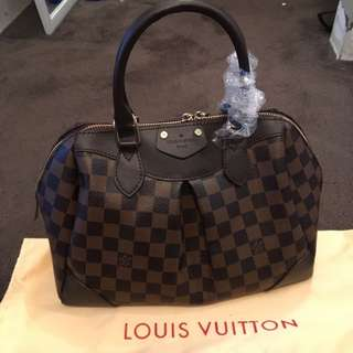 Louis Vuitton Segus