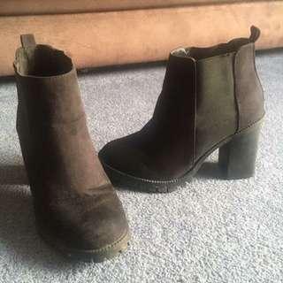 Catwalk Heels Size 7