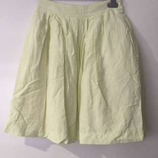 Cue Light Yellow Skirt - Size 6