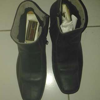 Genuine Leather Shoes - Saga