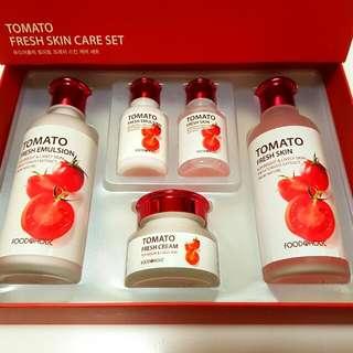 FOODAHOLIC Tomato Fresh Skincare Set