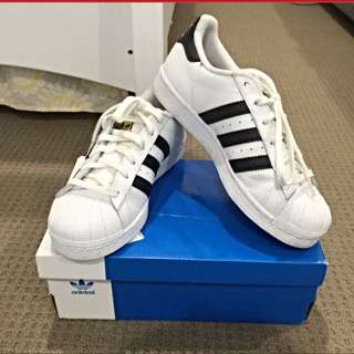 Adidas Superstar Size 7 And Half
