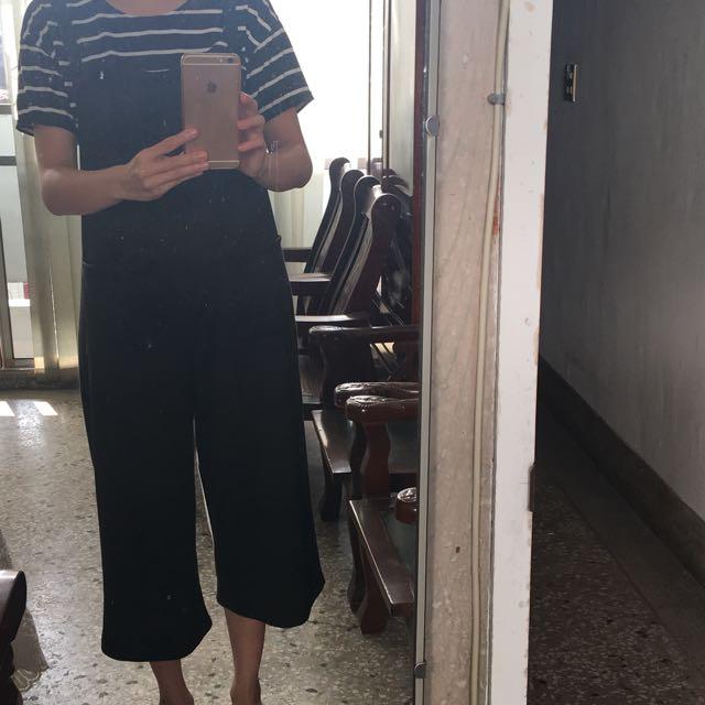 韓版 雙口袋吊帶褲。 不挑人穿 S~L號皆可